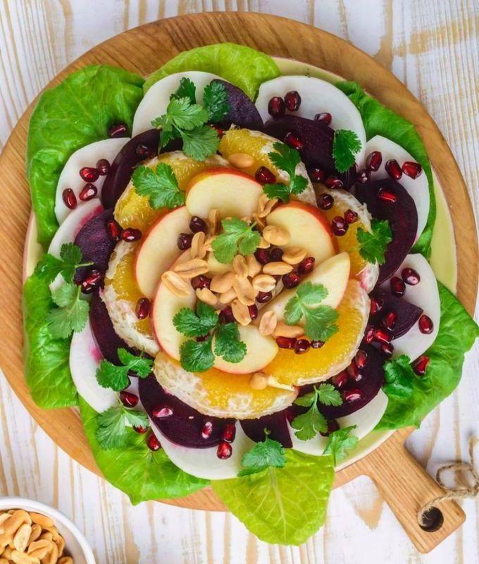 Фруктовый салат с овощами к Новогоднему столу
