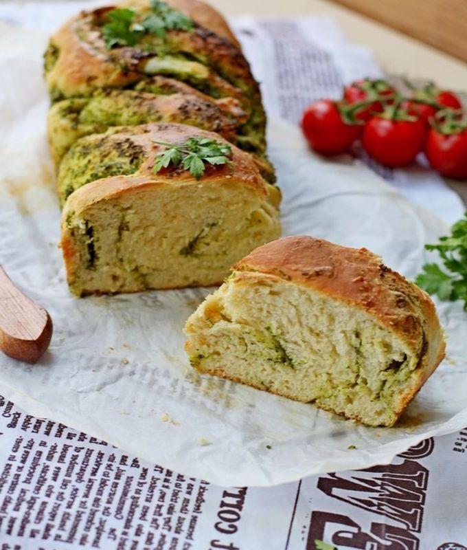 Итальянский хлеб с зеленью