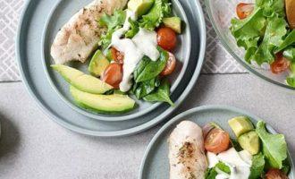 Куриный салат со сливочной заправкой