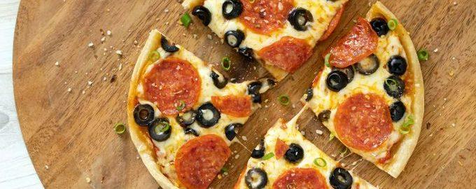 Пицца быстрого приготовления с колбасой Пепперони