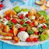Рецепт куриного салата с мандаринами и сухариками