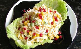 Салат с кальмарами и свежим огурцом к Новогоднему столу