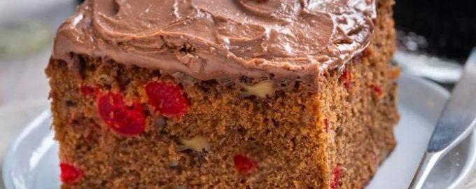Шоколадный кекс на пиве Для приготовления шоколадного кекса на пиве в качестве жидкой основы в тесто и в глазурь идет пиво. Тесто пиво разрыхляет и придает кексу дополнительную мягкость и нежную текстуру. А глазуре пиво придает вкусные и приятные нотки.