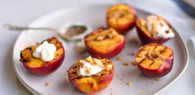 Жареные персики со сливками